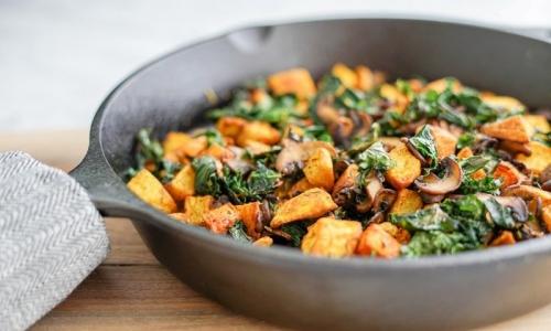 Sweet Potato Home Fries, Kale & Pepper Skillet